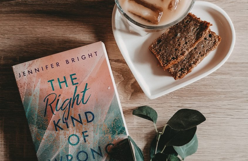 Rezension: The Right Kind of Wrong – Jennifer Bright